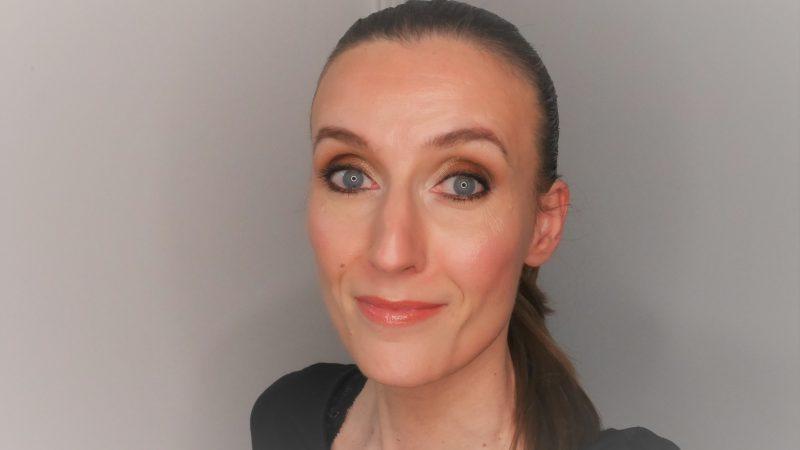 Photo maquillage de soirée doré